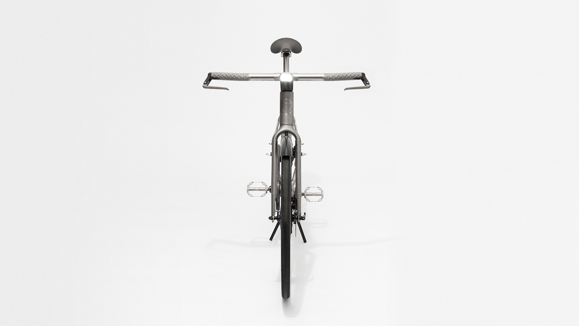 SLIDER GALLERY FOR NEW 3-D PRINTED TITANIUM URBAN BIKE BY INDUSTRY